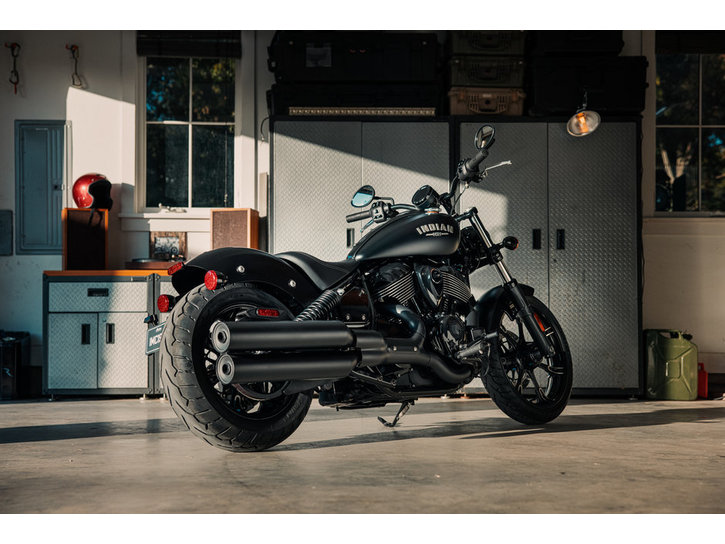 Väri: 2022 Indian Chief Dark Horse
