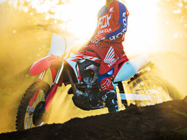 honda-crf250r-18-01-e-act-16