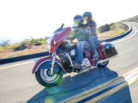 '15 Indian® Chieftain® - Red/Black & Red/Cream & Blue/Cream