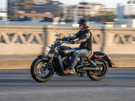 2015-Indian-Scout-black-action3