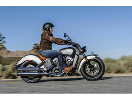 2015-Indian-Scout-silver-action4