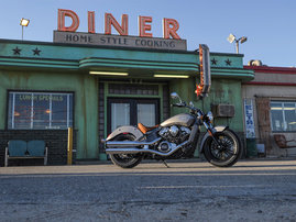 2015-Indian-Scout-silver-static8
