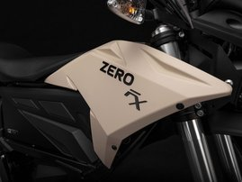 2019 zero-fx detail tank-badge 4800x3200 press